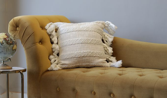 Foamy Shell Tufted Cushion Cover-1