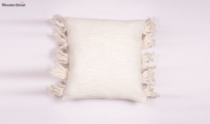 Foamy Shell Tufted Cushion Cover-3
