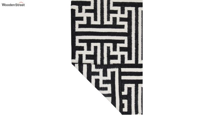 Black and White Geometric Hand Tufted Wool Carpet - 8 x 5 Feet-4