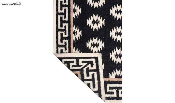 Black and White Aztec Hand Woven Kilim Wool Dhurrie - 8 x 5 Feet-4