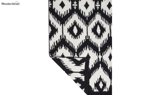 Black and White Ikat Hand Woven Kilim Pattern Wool Dhurrie - 8 x 5 Feet-4
