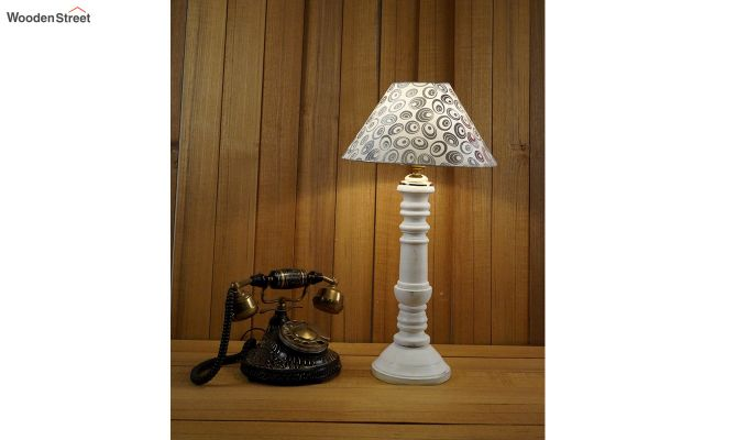 Order Shell Table Lamp-1
