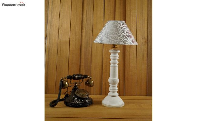 Order Shell Table Lamp-2