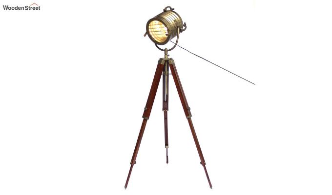 Beaker Classic Tripod Lamp by Grated Ginger-2