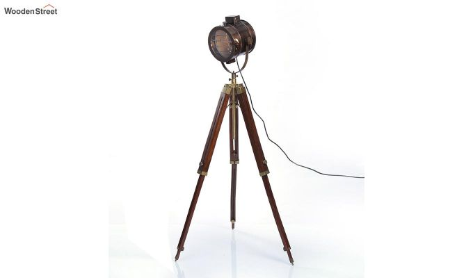 Corse Antique Tripod Lamp by Grated Ginger-3
