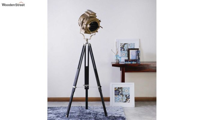 Discovery Black Tripod Lamp by Grated Ginger-1