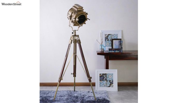 Discovery Wood Tripod Lamp by Grated Ginger-1