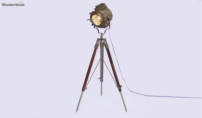 Discovery Wood Tripod Lamp by Grated Ginger-2