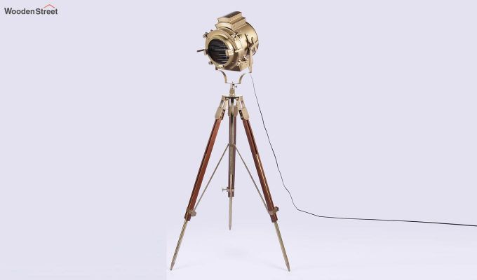 Discovery Wood Tripod Lamp by Grated Ginger-3