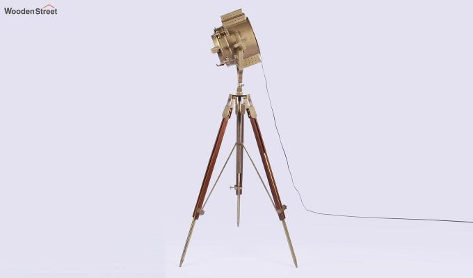 Discovery Wood Tripod Lamp by Grated Ginger-4