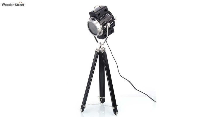 Focus Black Tripod Lamp by Grated Ginger-2
