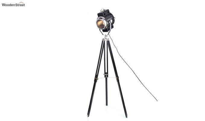 Focus Black Tripod Lamp by Grated Ginger-3