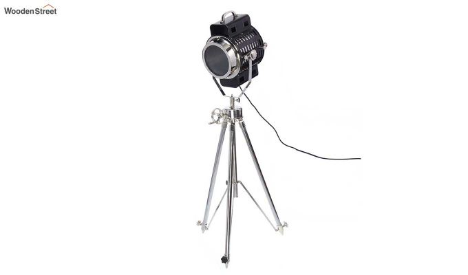 Focus Silver Tripod Lamp by Grated Ginger-2