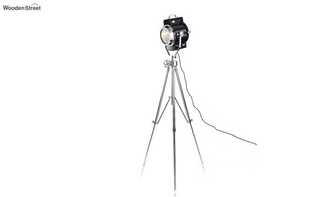 Focus Silver Tripod Lamp by Grated Ginger-3