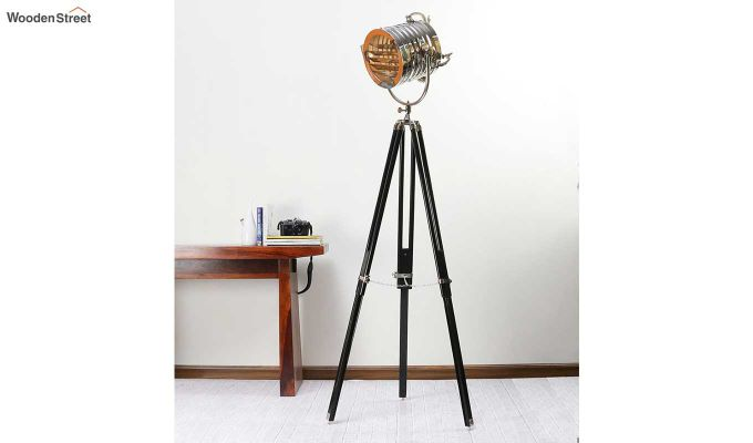 Potter Black Tripod Lamp by Grated Ginger-1