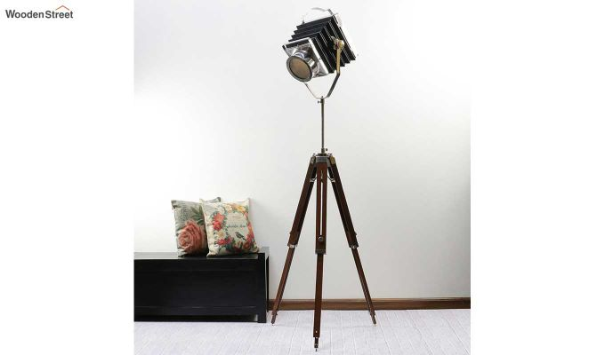 Retro Wood Tripod Lamp by Grated Ginger-1