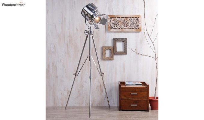 Satellite Silver Tripod Lamp by Grated Ginger-1