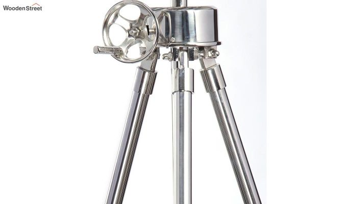 Satellite Silver Tripod Lamp by Grated Ginger-4