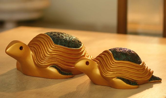 Two Turtles Gold Resin Figurine-1