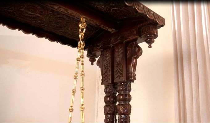 Maharaja Wooden Swing (Walnut Finish)-4