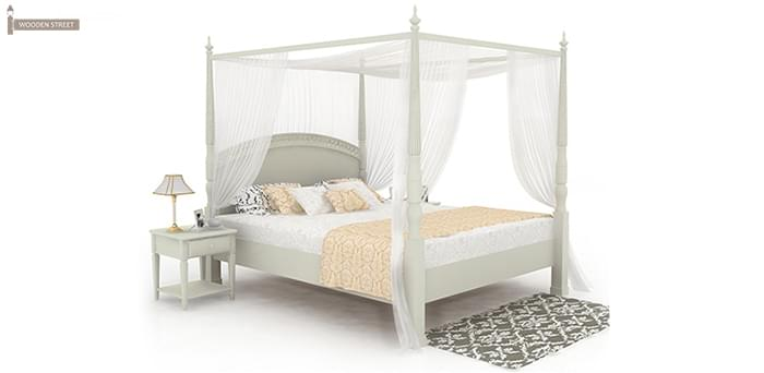 Elegant Poster Bed